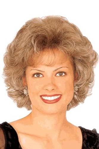 Прически для женщин 50 лет на волнистые волосы